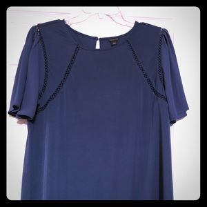 NWT Ann Taylor Flutter Sleeves Top. Size: L